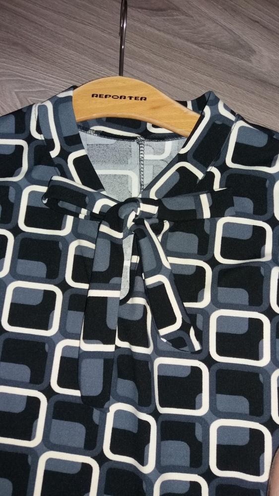 bluzeczka w geometryczne wzory wiązana