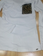 prazkowana biala bluzka z dekoltem zamek panterka...
