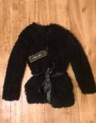 czarne futerko plaszczyk kurtka sweter Mohito...