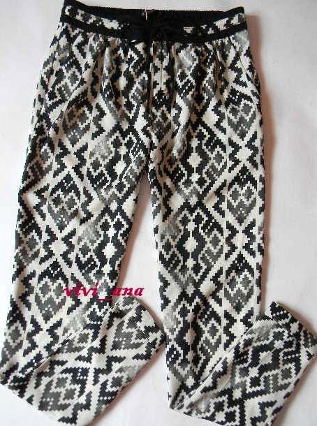 spodnie aztek BERSHKA chinosy S M