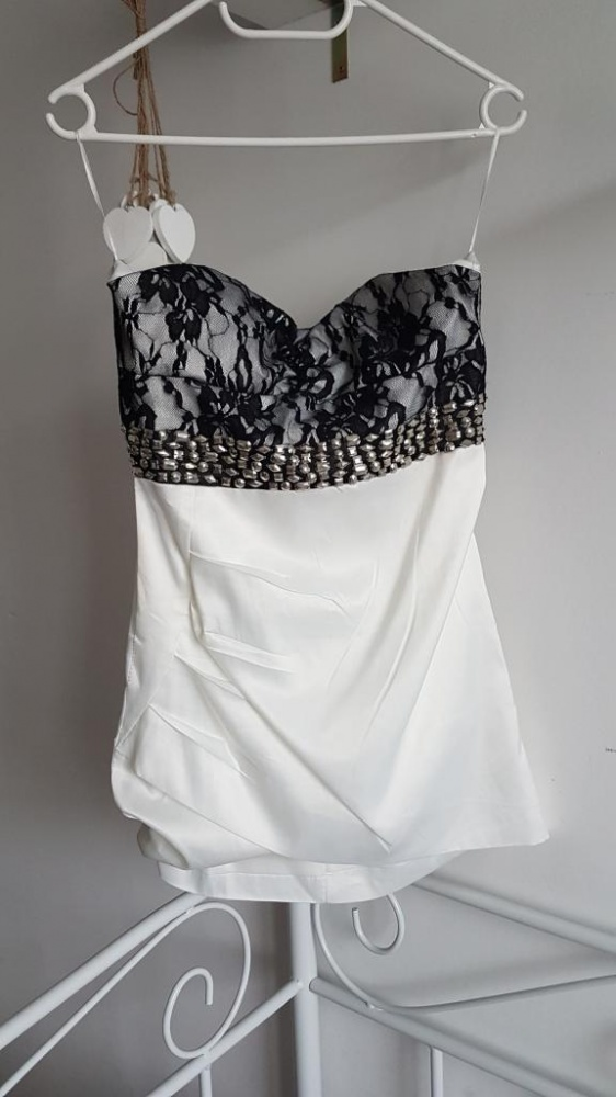sukienka satynowa kamienie koronka asymetryczna
