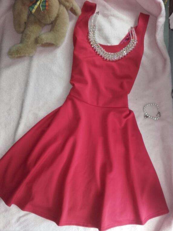 Czerwona krótk sukienka S M L lekko rozkloszowana
