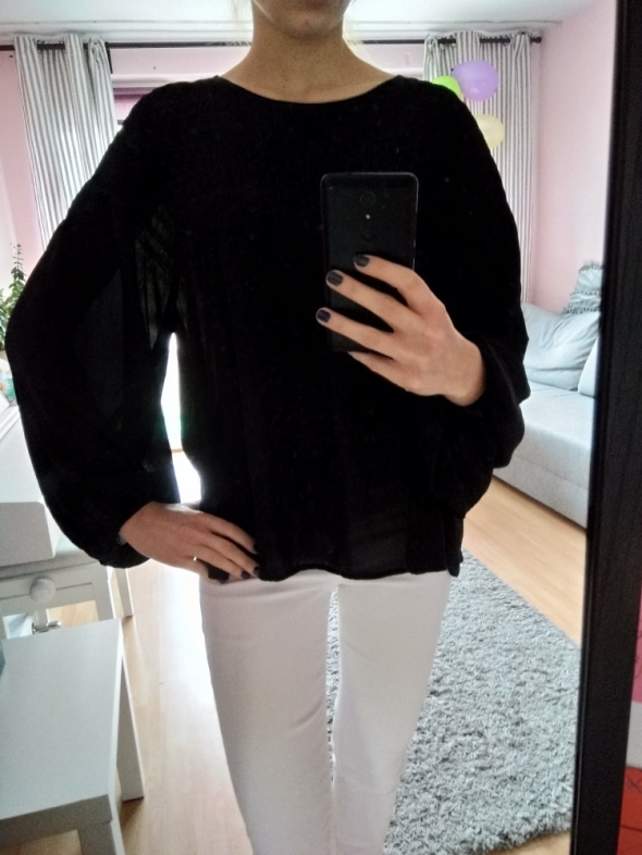 Czarna luźna bluzka
