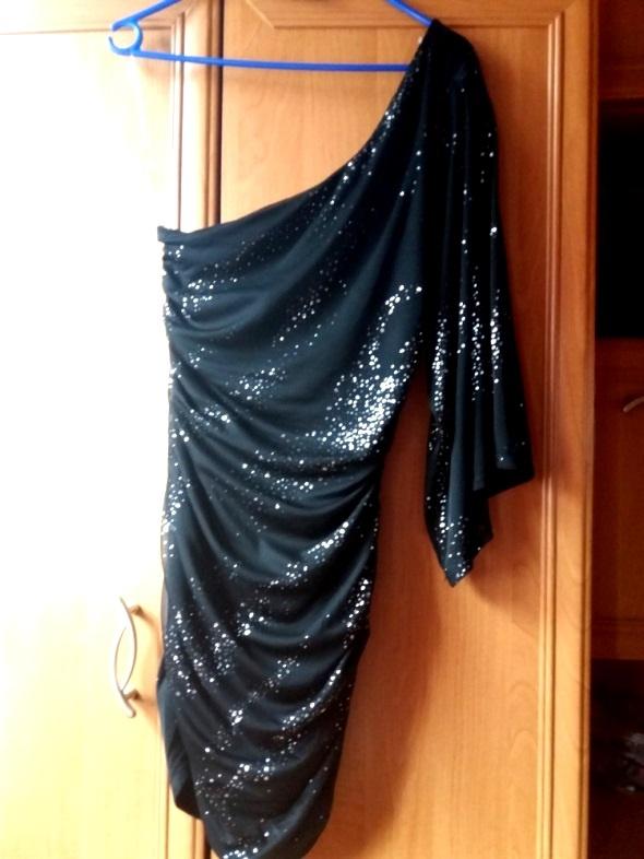 Asymetryczna sukienka Lipsy London Mgielka Piękna...