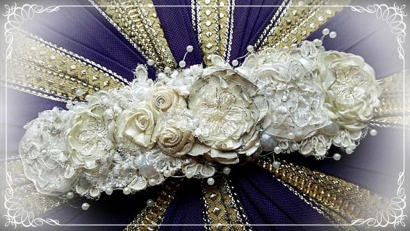 Biała koronkowa bransoletka