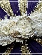 Biała koronkowa bransoletka...