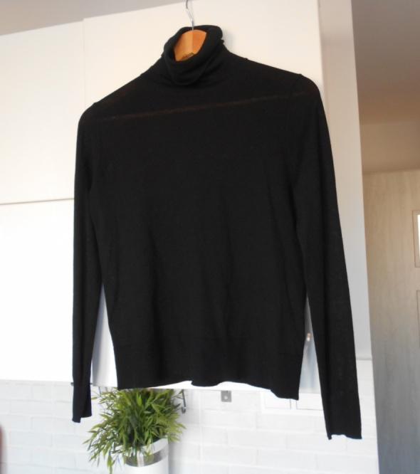Zara czarny cienki sweter golf klasyka minimalizm