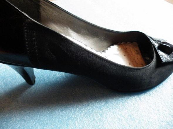 Buty na obcasie czarne 37 eleganckie