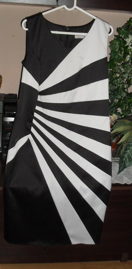 sukienka wpaski roz 44
