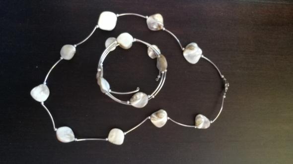 Naszyjnik i bransoletka z masą perłową