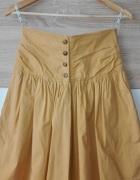 Musztardowa spódnica...