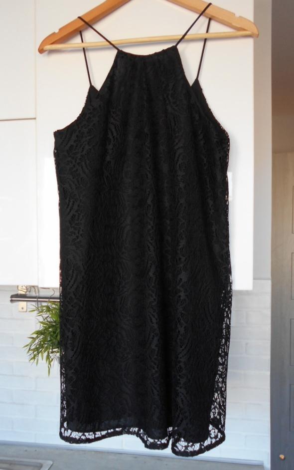 Zara nowa koronkowa czarna sukienka na ramiączkach