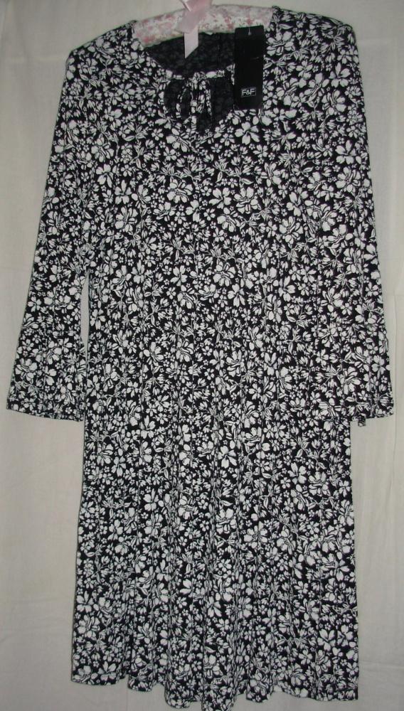 Sukienka z ciężkiej wiskozy FiF 40
