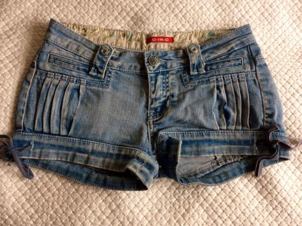 Króciutkie jeansowe szorty 34 przecierane