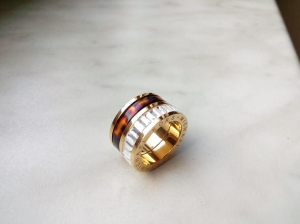Pozłacany pierścionek piękny z bursztynem 14