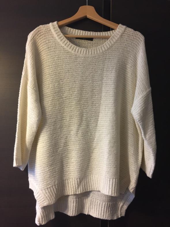 Reserved L biały sweter oversize...
