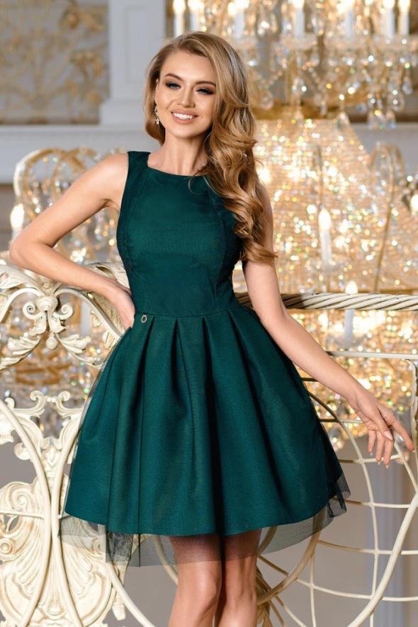 połyskujaca zielona sukienka