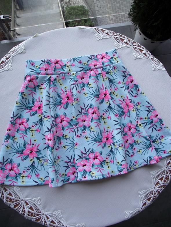 Rozkloszowana spódniczka mini w kwiatowy print H&M XS