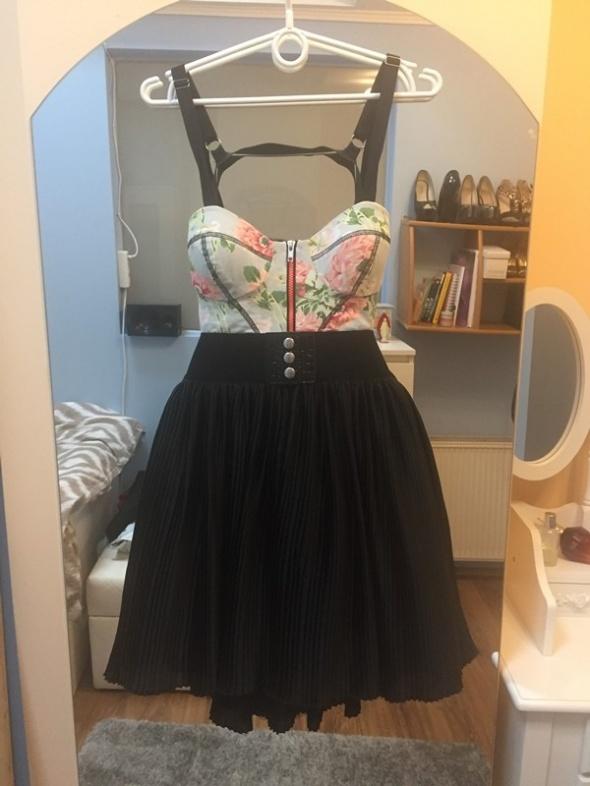 Rozkloszowana sukienka gorset plisowana XS