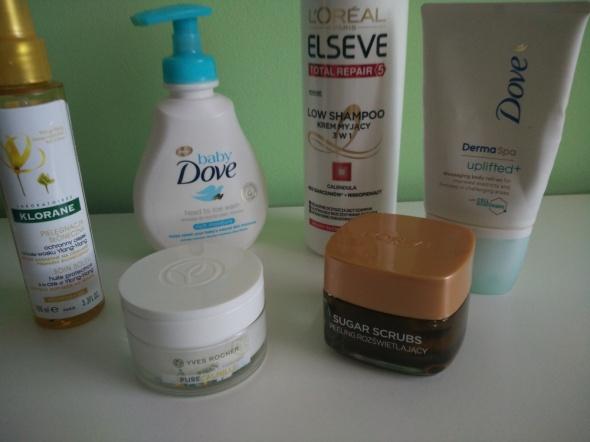 różnorodny zestaw kosmetyków TANIO