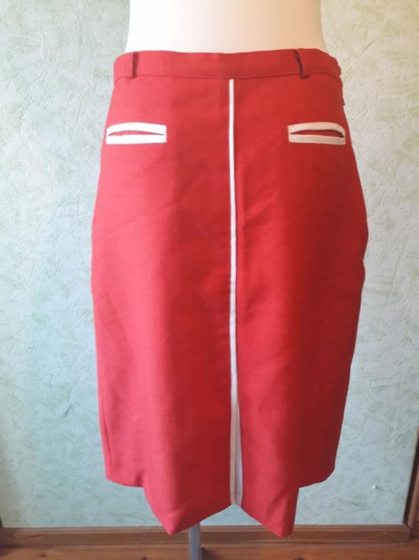 Czerwona ołówkowa spódnica rozmiar 38