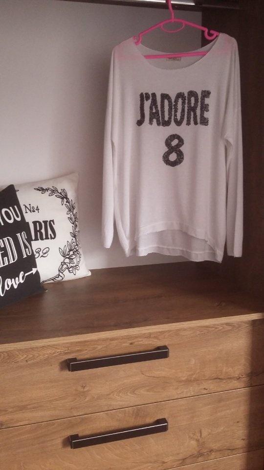 Biała J adore