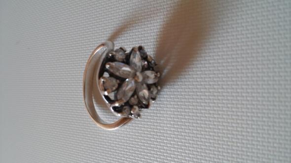 Srebrny pierścionek CUDO