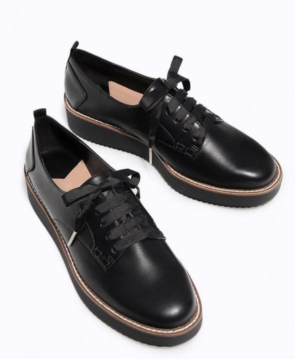 Buty na platformie Stradivarius czarne rozmiar 35