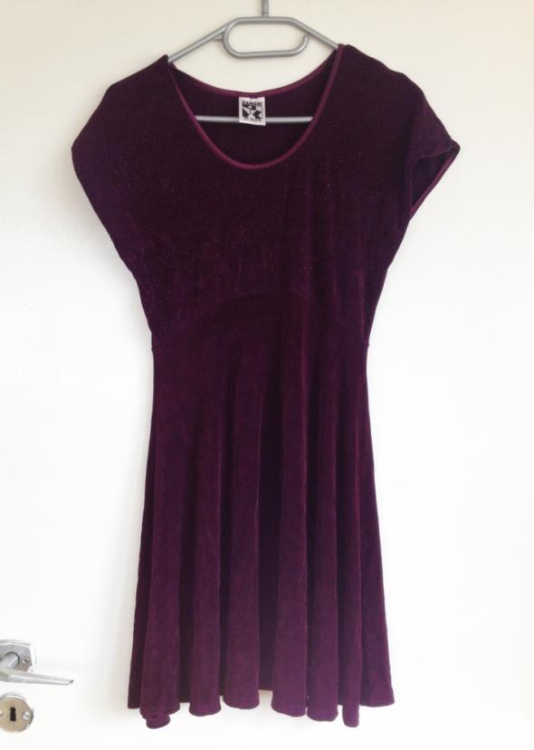 Śliwkowa Zanoni sukienka rozkloszowana brokat brokatowa XS S M 34 36 38 elastyczna