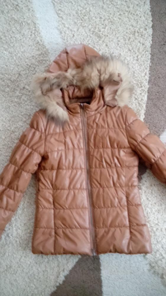 Ciepła pikowana kurtka zimowa karmelowa