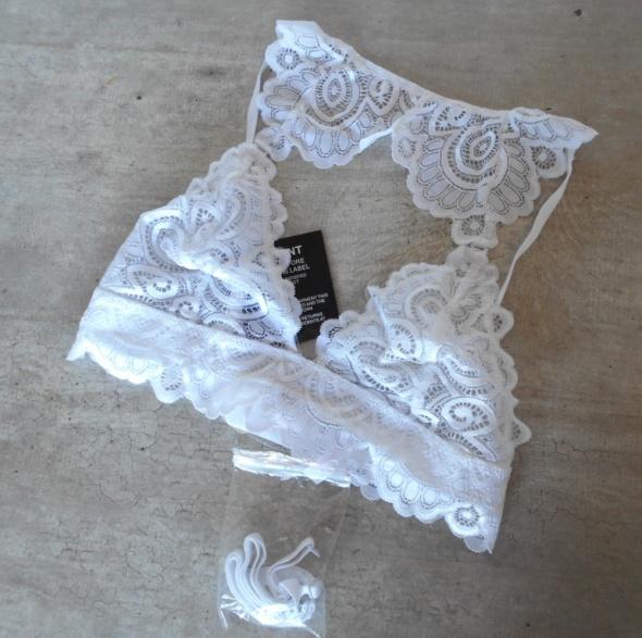 Nelly nowy biały biustonosz koronkowy