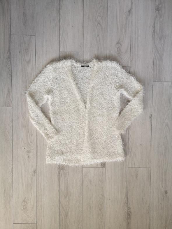 Sweter włochaty kardigan narzutka S M