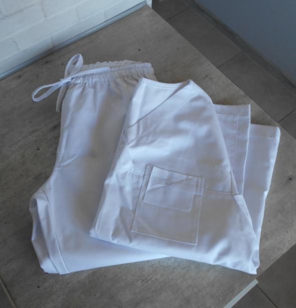 nowy biały komplet medyczny damski zestaw bluza spodnie