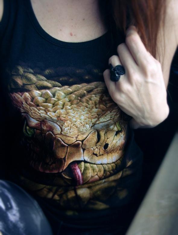 Top z wężem Spiral Direct snake eye stud