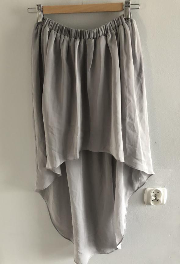 Asymetryczna spódnica z mgiełki...