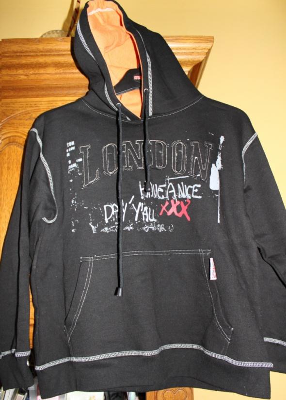 Bluza polarowa z kapturem kaptur czarna z Londynu Londyn London M