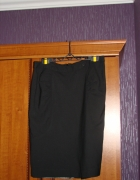 Czarna spódnica...