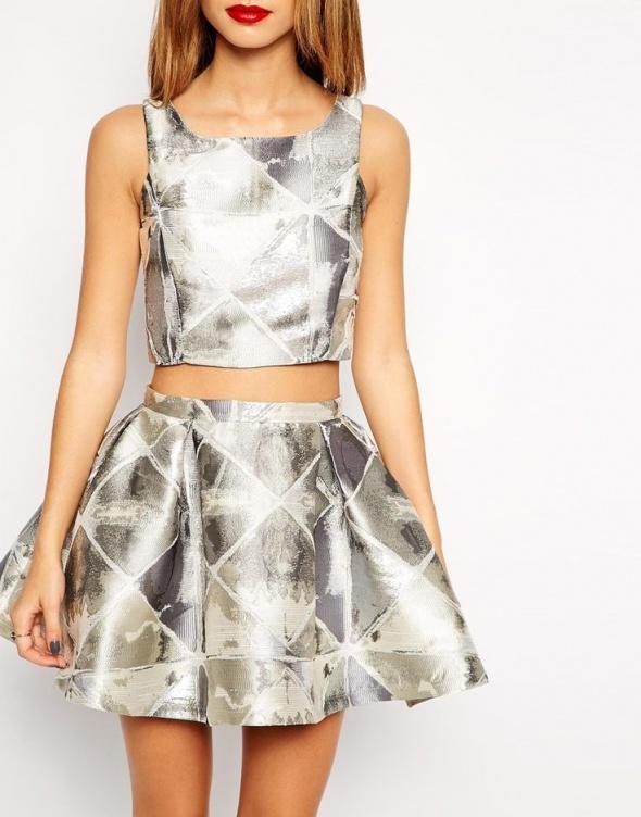 srebrno szary komplet true decadence rozkloszowana spodniczka i top