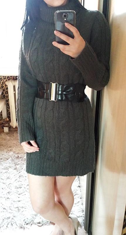 Sweterkowa sukienka dzianinowa szara grafitowa golf komin warkocz prążek