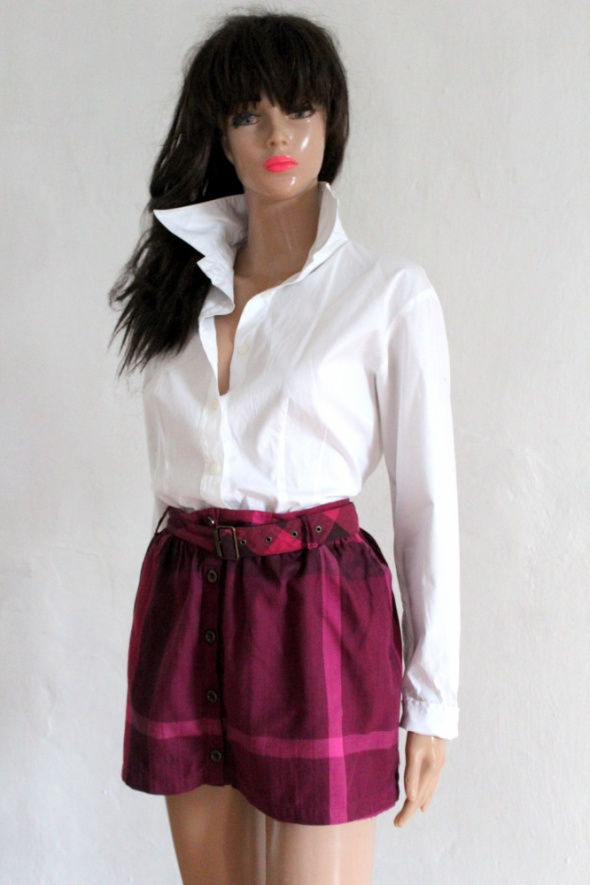 Różowa krótka spódniczka w kratę r 150 cm...