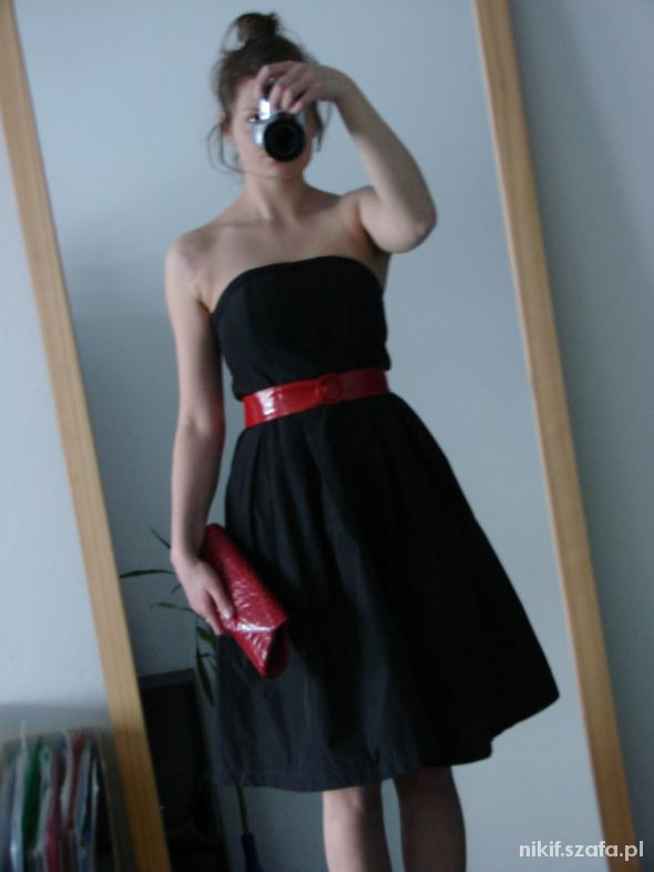 Czarna rozkloszowana sukienka Vero Moda