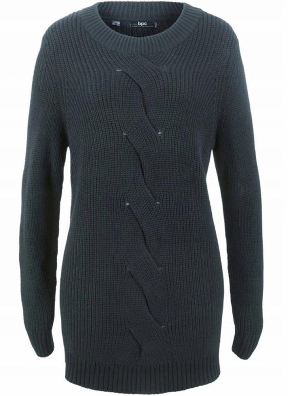 Czarny długi sweter tunika z dzianiny...