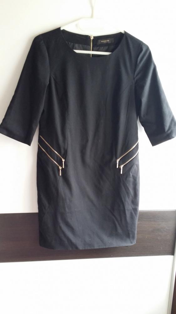 Elegancka czarna z zameczkami Reserved S...