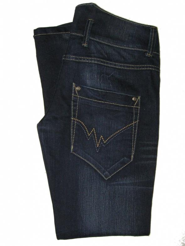 Spodnie NOWE RURKI AC z New Yorker