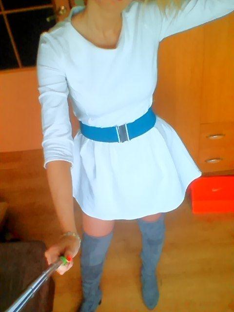 Śliczna biała sukienka S M jesień zima by o la la