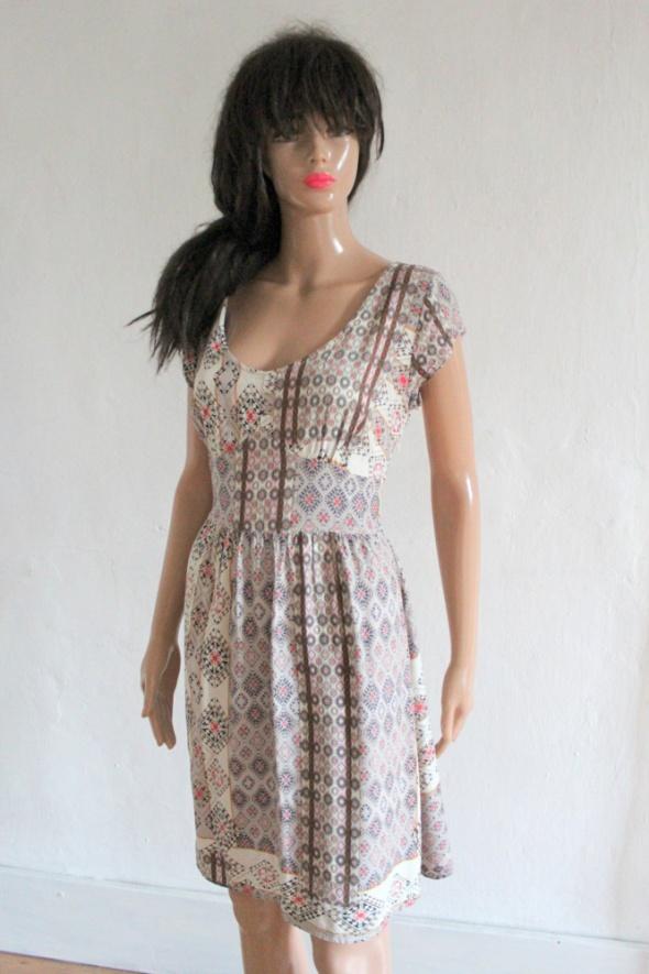 Letnia zwiewna sukienka we wzory r S...