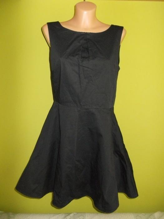 Sukienka rozkloszowana czarna Vero Moda 36 38...