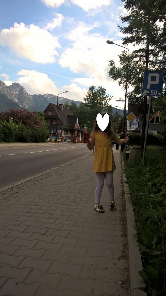 żółta słoneczna sukienka H&M