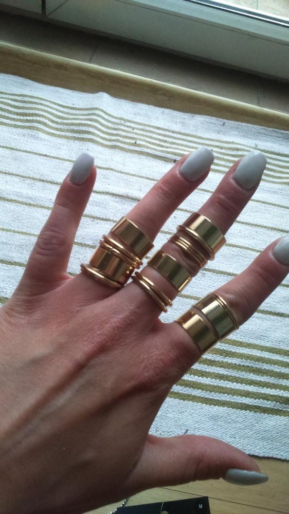 komplet pierścionków w kolorze złota