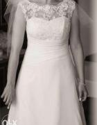 Piękna klasyczna suknia ślubna koronkowy dekolt